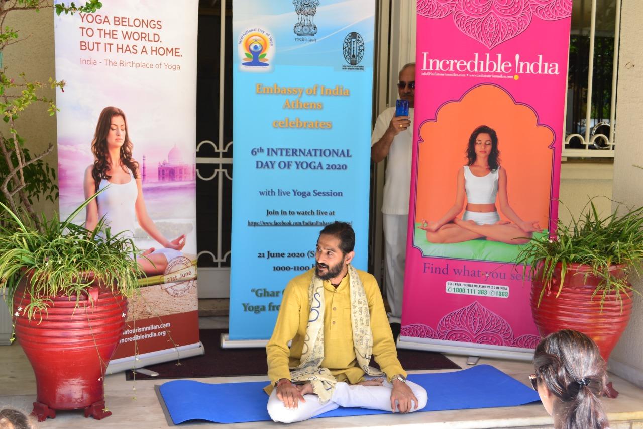 Guru Siddhartha teaching yoga at the indian embassy in Athens Greece